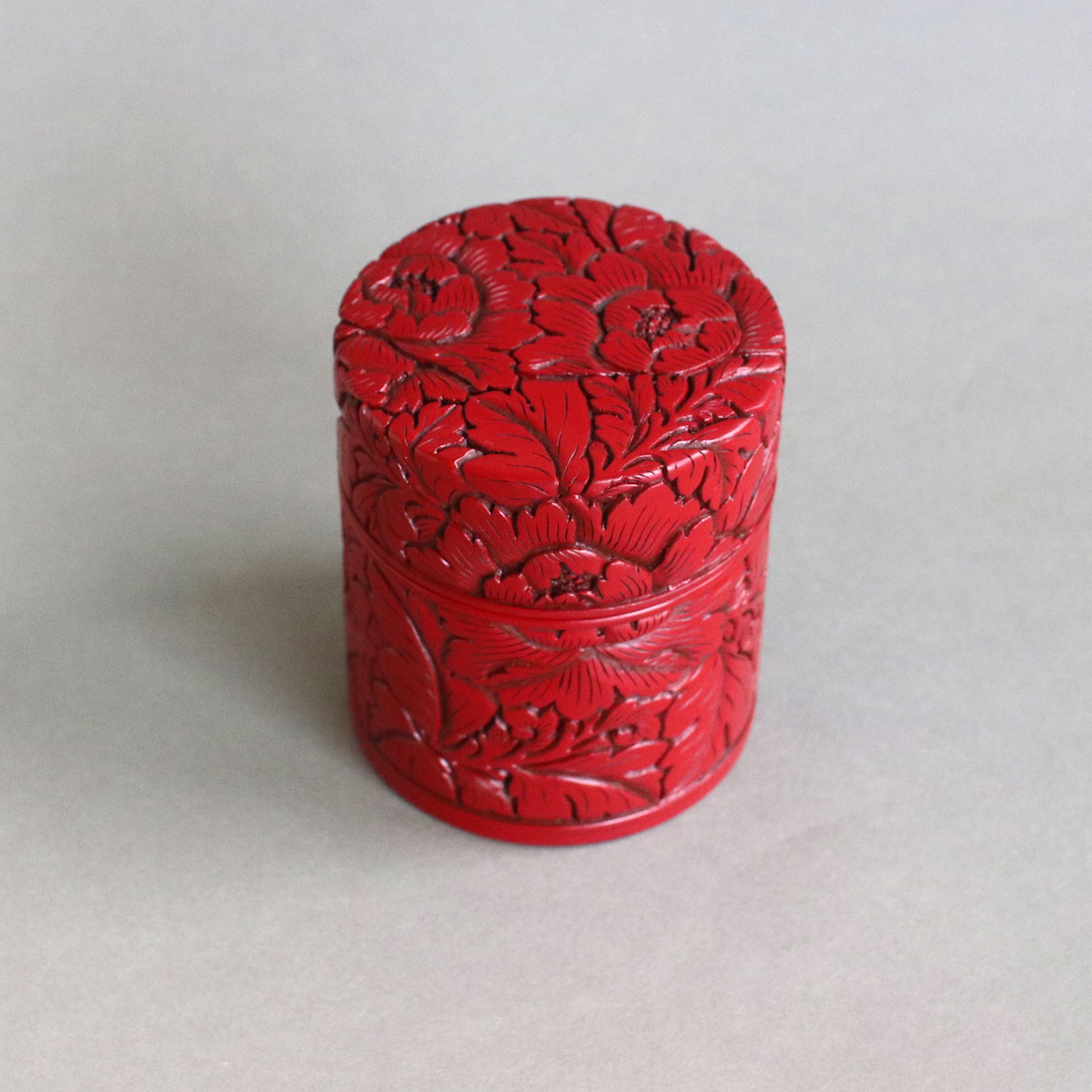 茶筒(牡丹唐草)